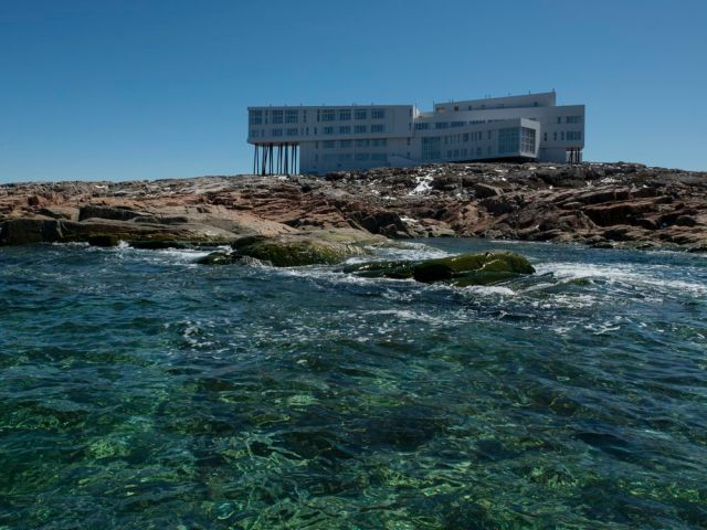 2013_06-Fogo_Island_Inn-Press-Photo_Credit_Alex_Fradkin