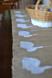 DIY Easter projects Bunny Burlap Runner