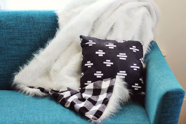 DesignJoyBlog_DIY Throw Blanket 6