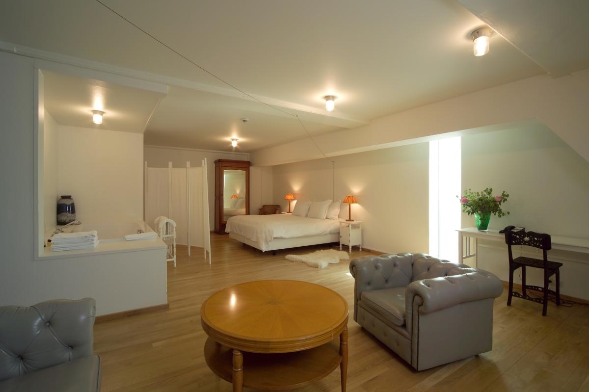 designjoyblog lloyd hotel amsterdam 5 star room room allard van der hoek design joy. Black Bedroom Furniture Sets. Home Design Ideas