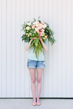 DesignJoyBlog 6 DIY projects for Mother's day Flower Blocked bouquet